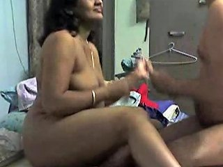 Amateur Cam Fuck With Dirty Mature