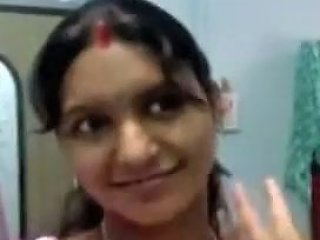 Dirty Minded Ugly Indian Married Woman Flashes Her Big Tits In Bra On Cam
