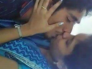 Desi Kiss Indian Desi Pornhub Porn Video Df Xhamster