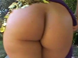 Amazing Indian Hottie Shows Off Her Big Ass Outdoor And Gets Her Pussy Licked Indoor