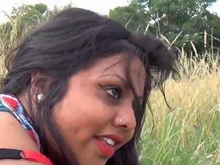 Indian Chubby Girl Kiki Outdoor Porn
