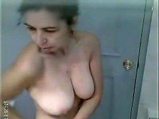 Punjabi Mature Aunty Shower