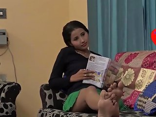 Indian Girls Seduces Servant With Soles