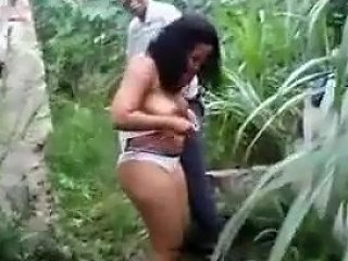 Couple Fuck Outdoors Caught